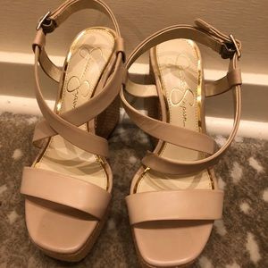 Jessica Simpson neutral wedge